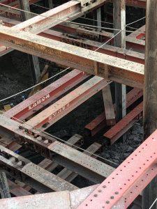 連續壁地下三H型鋼支撐